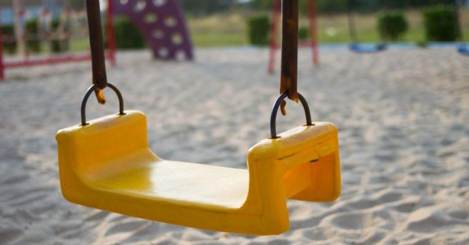 Nieszczepione dzieci spędzają wakacje w domach