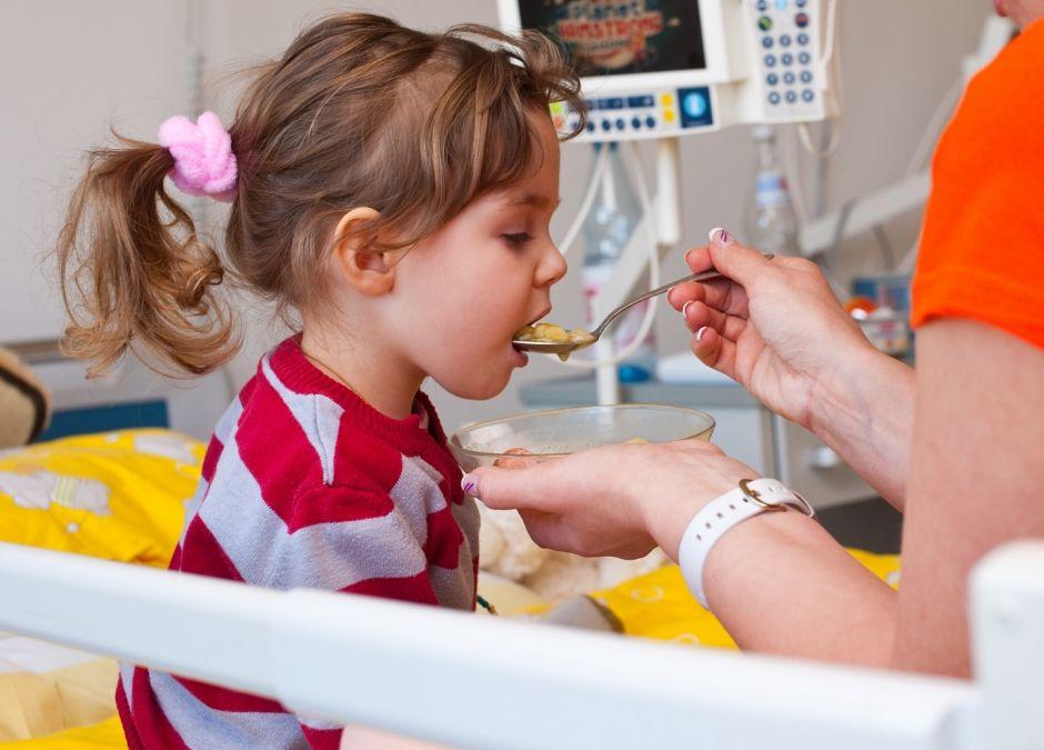 Niezdrowe szpitalne posiłki dla dzieci