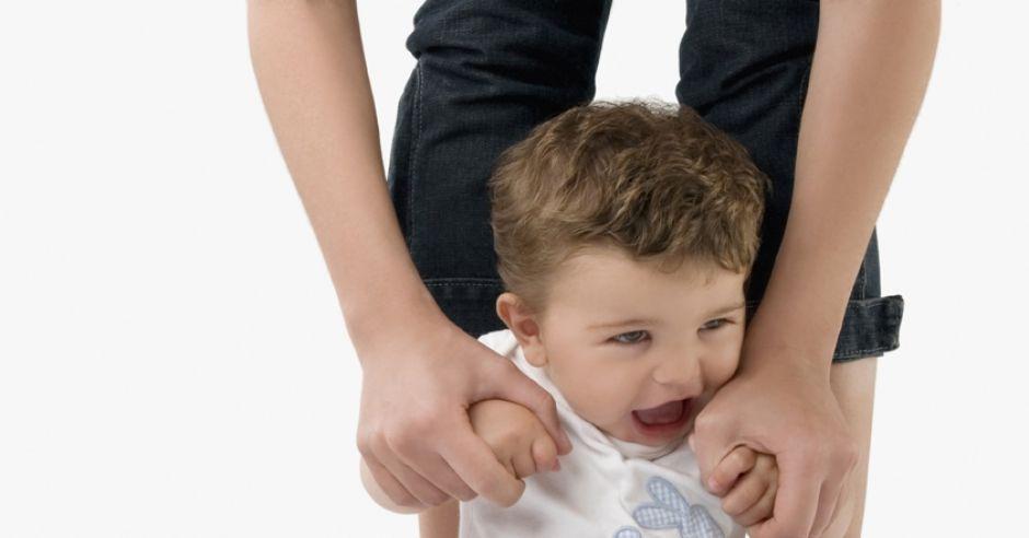 nieznośny, bunt, dwulatek, dziecko