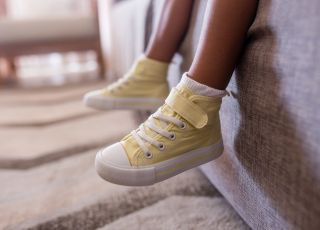 Noszenie butów w domu jest niebezpieczne dla zdrowia