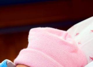 noworodek, czapeczka, szpital