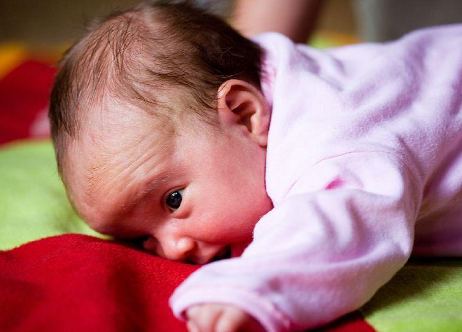 noworodek, noworodek w domu, opieka nad noworodkiem, pierwsze dni z noworodkiem