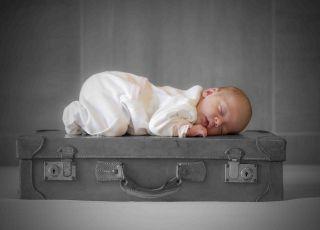 noworodek, powrót ze szpitala, noworodek w samochodzie, fotelik dla noworodka, przewożenie noworodka