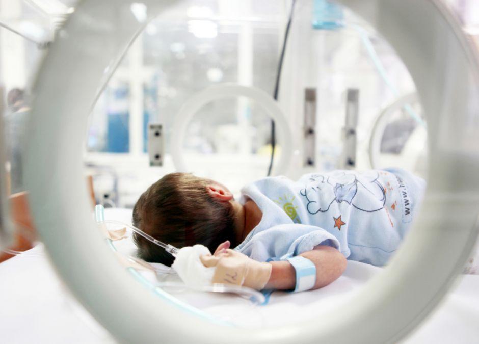 Noworodek przebywający w szpitalu