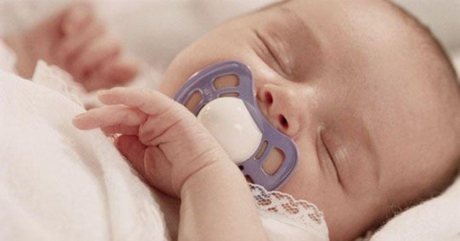 noworodek, sen