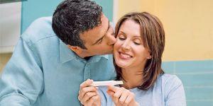 objawy ciąży, test ciążowy, pierwsze objawy ciąży, wczesne objawy ciąży, okres w ciąży
