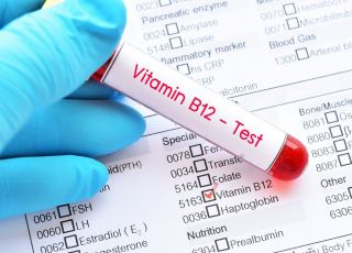 Objawy niedoboru witaminy B12