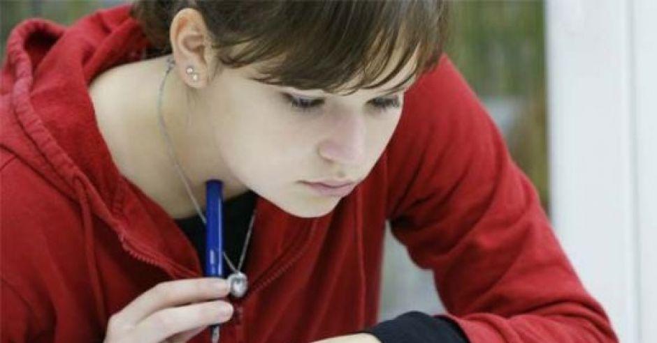 Obserwacja objawów śluzu szyjkowego to jedna z metod NPR.