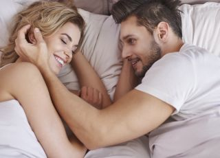 Są pary już miesiąc po porodzie wracające do seksu, a są i takie, które nie robią tego przez rok - wyjaśnia seksuolog [WIDEO]