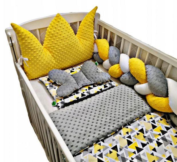 ochraniacz do łóżeczka w zestawie