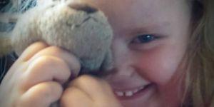 Odnaleziony na lotnisku miś przeżył wiele przygód i wrócił do właścicielki, 4-letniej Phoebe