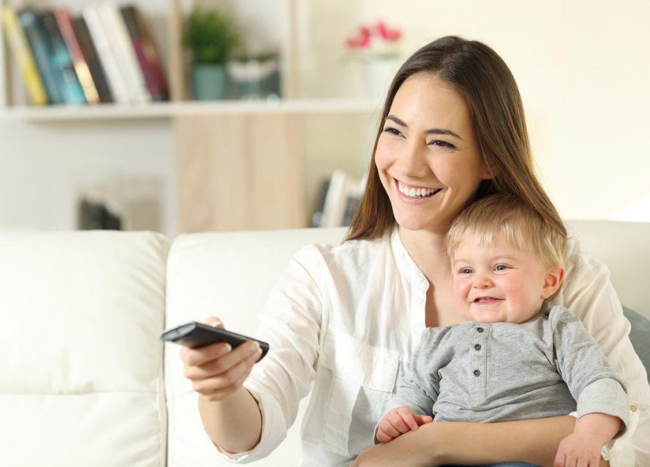 Oglądanie telewizji przez niemowlaka