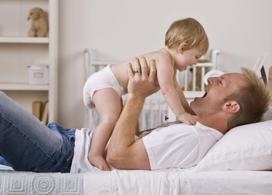Ojcowie inaczej traktują córki niż synów