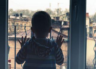 Ojczym znęcał się nad 4-letnim chłopcem
