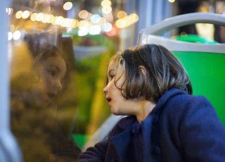 Opiekunka zapomniała o dziecku i zostawiła je w autobusie