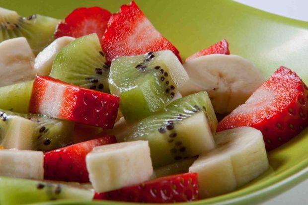 cząstki owoców jako zdrowa przekąska dla dziecka