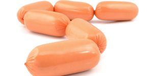 Parówki, które zaliczają się do przetworzonego rakotwórczego mięsa.