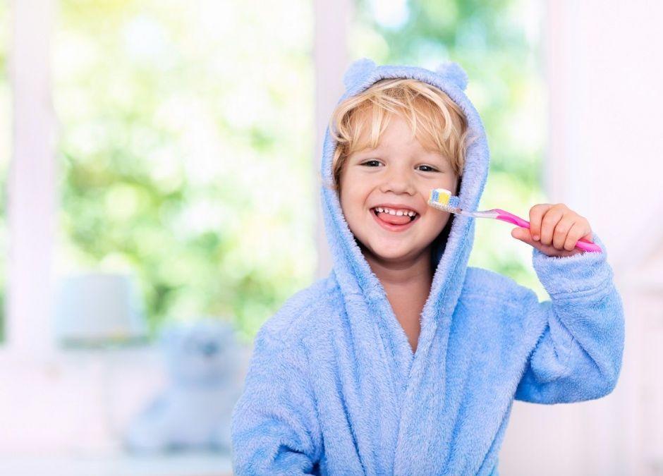 Pasta do zębów dla dziecka: z fluorem czy bez?