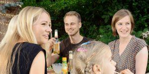 picie piwa, spotkanie rodzinne, grill