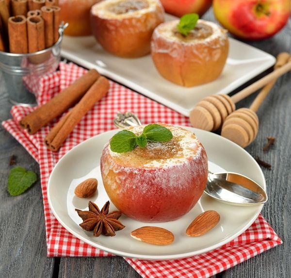 Pieczone jabłka z miodem - gotowe przepisy dla karmiących matek