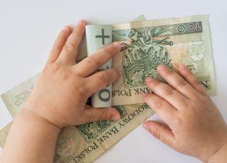 pieniądze, zasiłek opiekuńczy