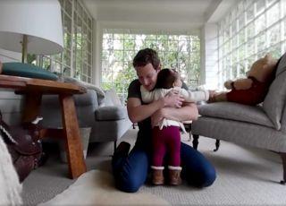 Pierwsze kroki córeczki Marka Zuckerberga