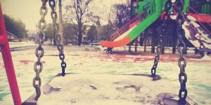 Plac zabaw zimą pustoszeje
