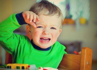 Płaczące dziecko bez opieki