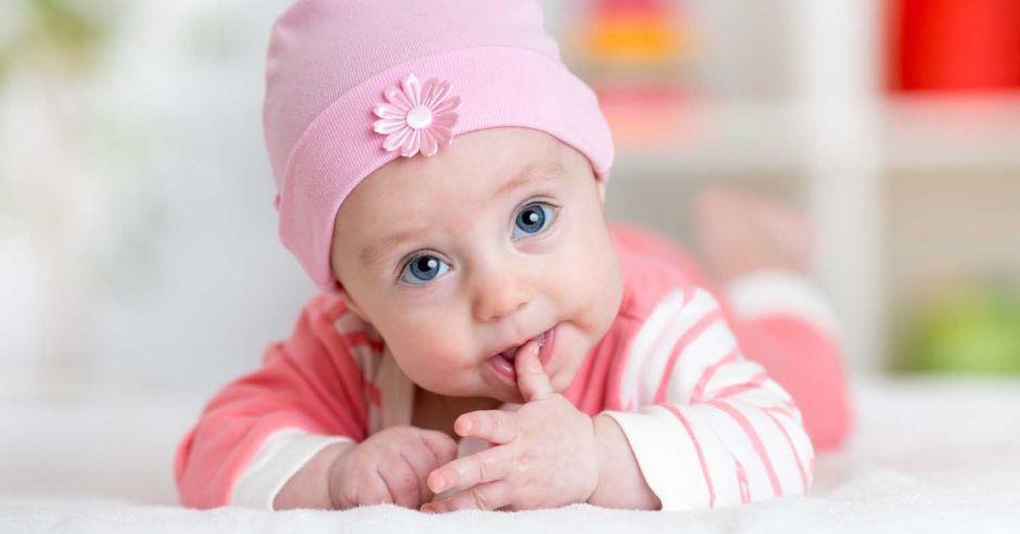pleśniawki u dziecka, afty u niemowlaka, opryszczka u dziecka, zmiany w buzi, opryszczkowe zapalenie jamy ustnej, krostki w buzi