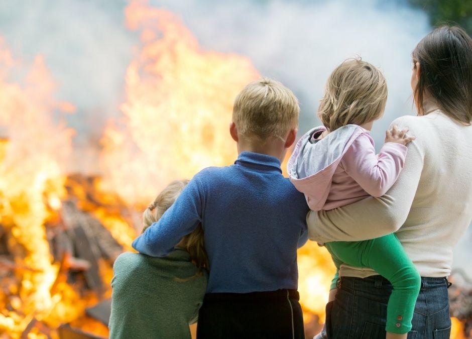 Polak mieszkający w Anglii uratował 4 dzieci i ich mamę z pożaru