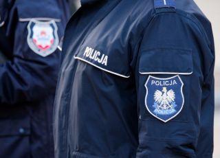 Policjanci z Piaseczna eskortowali chorego chłopca