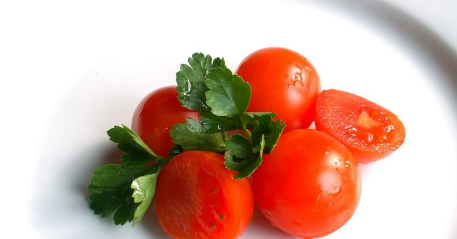 Pomidory i natka pietruszki