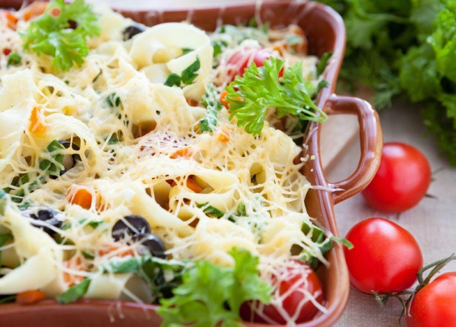 pomidory, makaron, bazylia, zapiekanka, ser