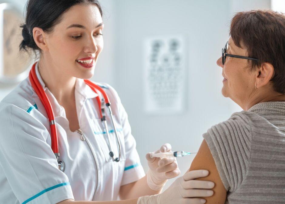 pomysł płacenia za szczepienie na COVID-19