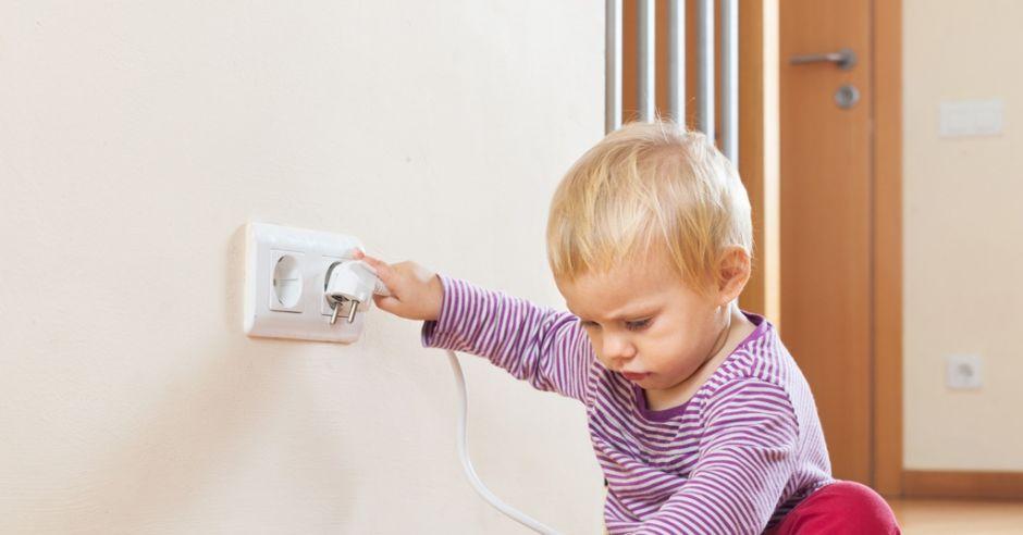 porażenie prądem, pierwsza pomoc, wypadek, bezpieczeństwo