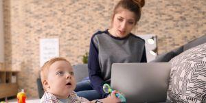 pracujące mamy dwójki dzieci mają o 40 proc. większy stres