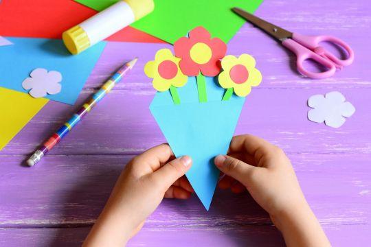 prezent dla babci DIY bukiet papierowych kwiatów