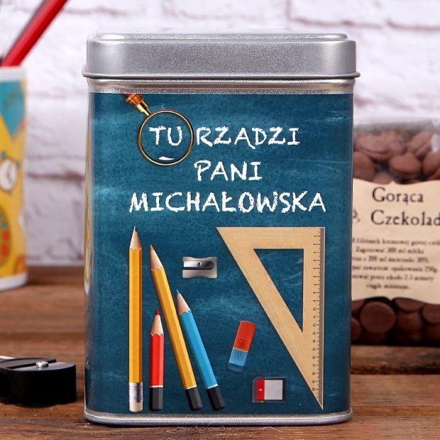 prezent dla pani dyrektorki czekolada w puszcze.jpg