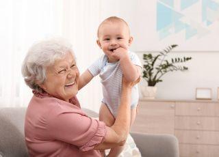 Prezent na Dzień Babci od niemowlaka