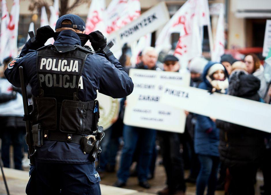 protesty antycovidowców