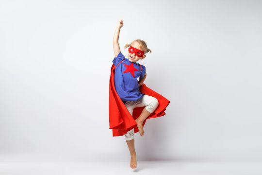 przebrania karnawałowe do zrobienia w domu superbohater