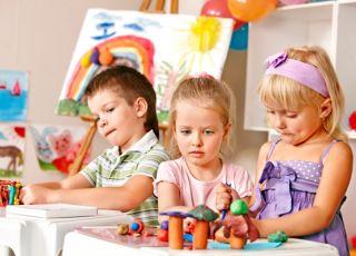 Przedszkolaki w zabawie