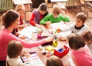 Jak być w dobrych stosunkach z przedszkolanką dziecka
