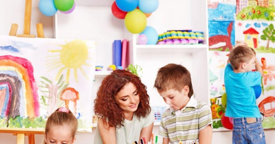 przedszkole, dzieci, przedszkolanka, zabawa