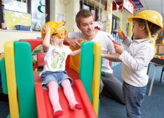 przedszkole, dzieci, zabawa, zjeżdżalnia, eksperymenty