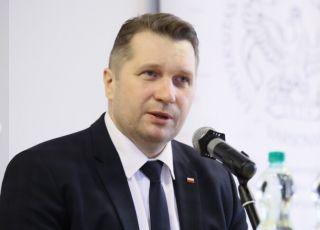 Przemysław Czarnek zapowiada NADGODZINY dla dzieci w szkołach