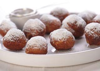 Przepis na mini pączki z otrębami i konfiturą śliwkową - przepis na ciasto