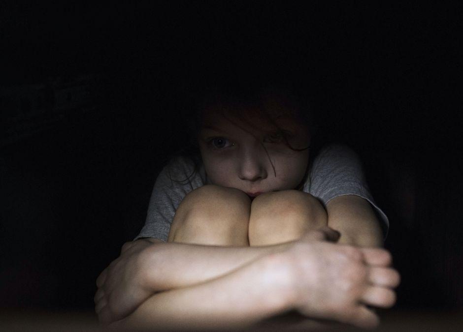 Przerażona dziewczynka