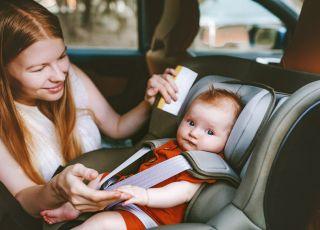 przewożenie dziecka w samochodzie