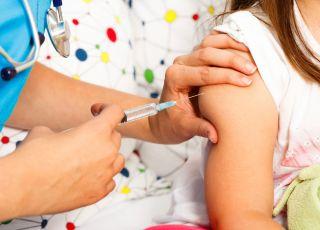 przybywa odmów szczepienia dzieci